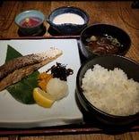 鮭の塩麹漬け焼き定食(とろろ付)