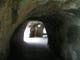 江戸時代に掘られた青の洞門