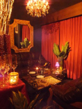 ◆大人気!店内奥のソファ席◆幻想的な空間で素敵な時間を…☆