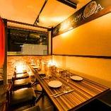 柔らかな間接照明が灯る上質空間は飲み会や宴会に最適です。