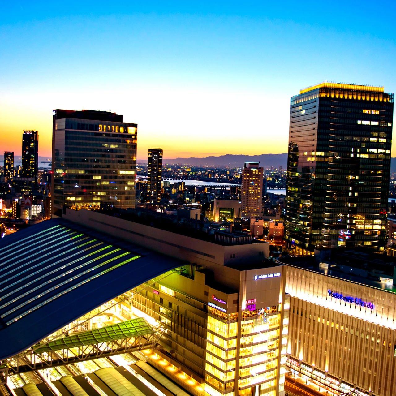 地上100mからは大阪の夜景が一望