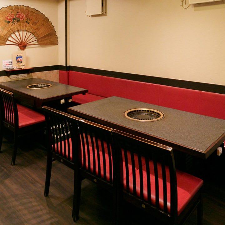 テーブル席・12名様まで