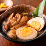 彦酉の実力は一品料理にあり!信州太郎ぽーくの豚角煮と地酒が◎