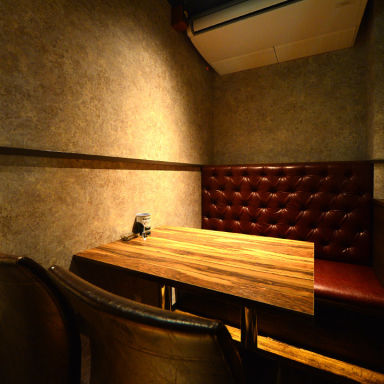 炭火バル×ワイン KING'S MEAT Charcoal nishiki 栄錦店 店内の画像