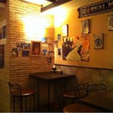 スペインバル アモール・デ・ガウディ六本木  店内の画像