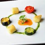 モッツァレッラチーズのフリット バジルとドライトマトの2種のソース