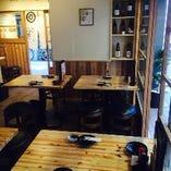 テーブル席(2~4名×4卓)