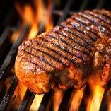 パスタ、ステーキ、ハンバーグも充実した品ぞろえ♪