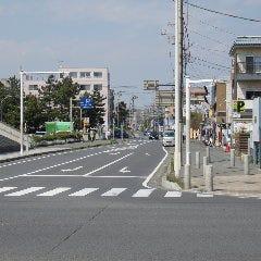 サーファー通り(昭和通り)に入ります。