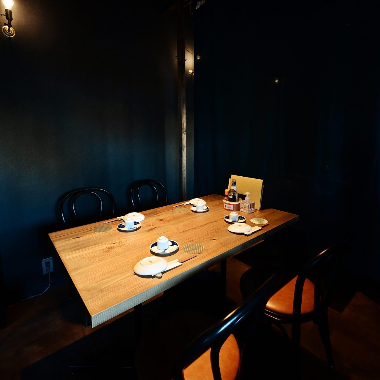 テーブル席・22名様まで