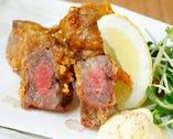 【馬肉の唐揚げ630円】お刺身用のお肉でサクッと揚げております
