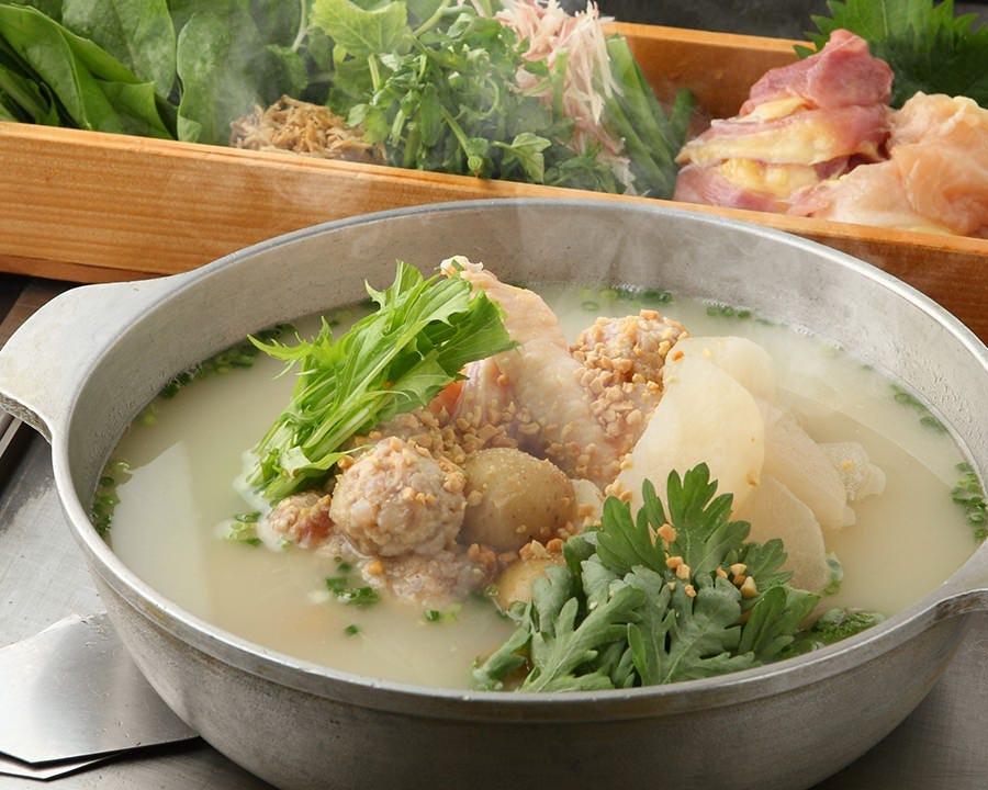 鶏出汁で煮込んだ健康鍋