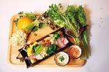 彩り豊かな全国各地のお野菜を使用。