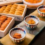 塩水雲丹を含む雲丹3種食べ比べ!こだわって仕入れた新鮮で美味しい雲丹の味をじっくり味わい、その違いを比べてみてください。