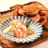 季節により旬の素材を仕入れております。珠玉の鮨を中心に味わえる飲み放題付きのプランをご予算に合わせて各種ご用意。