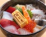 海鮮丼  小鉢・お椀 付き