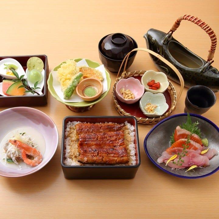東の「青龍」を象徴とした「東拝コース」のお食事にはうな重を
