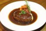 熟成肉の粗挽きハンバーグ