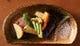 オムス名物『鉄板焼き野菜』野菜本来の味わいをお楽しみください