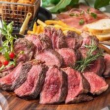 ボリューム満点◎肉料理が食べ放題!