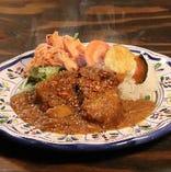 【焙煎スパイスなポークカレー】低温調理した豚肉が柔らかい。