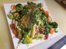 季節野菜のグリーンサラダ