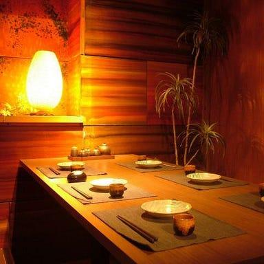 個室居酒屋 焼き鳥 鶏っく 梅田HEPナビオ店 店内の画像