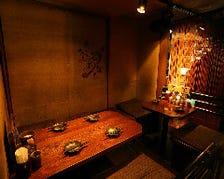 木と和紙で作られた落ち着いた空間