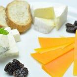 本日のチーズ3種盛り合わせ