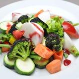 季節の温野菜 パプリカのソースで