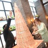 宴会などのイベントやサプライズプレゼントに 名物「生ハムタワー」