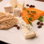 シェフ厳選 本日のチーズ盛り合わせ