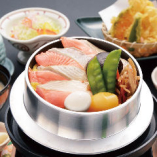サーモン釜めし(みそ汁・漬物付)