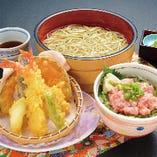 茹であげ天ぷらそば小丼セット(天ぷら・茹であげそば・選べる小丼)