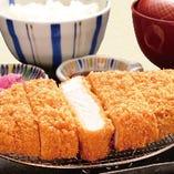 特選ロースカツ定食(特選ロースカツ・ごはん・茶碗蒸し・みそ汁・漬物)