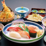 信濃川寿司7貫セット(寿司7貫・サラダ・小鉢・茶碗蒸し・選べる麺・天ぷら)