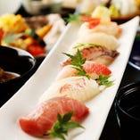 にぎり寿司に治部椀、お造りが付いて大満足の「特撰寿司懐石」