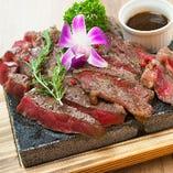 徹底した肉の管理!豚・鳥以外にも当店名物「上州牛」が絶品!