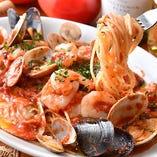 [魚バルパスタ] 最大7種の貝を使ったペスカトーレなど豊富に◎