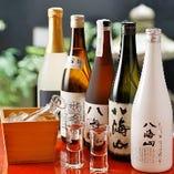 日本全国から厳選した日本酒、焼酎を多数取り揃え