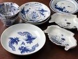 中国の骨董器でお料理を御堪能下さい。