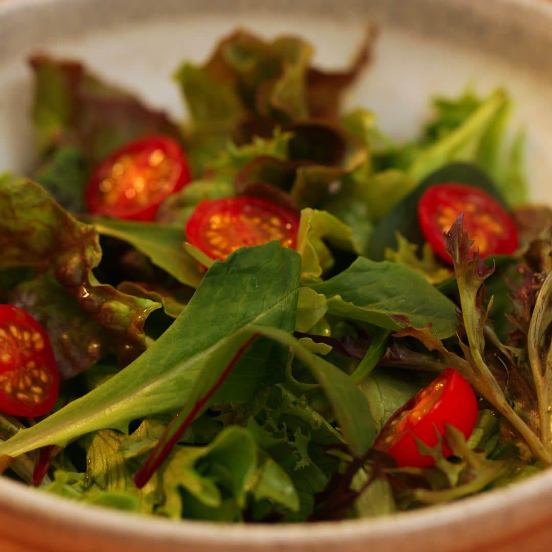 丸ごと野菜のグリーンサラダ