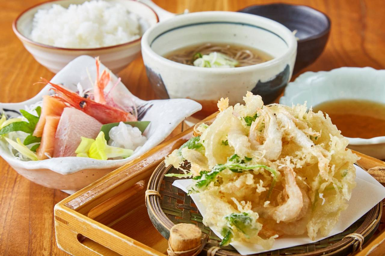 白海老と野菜のかき揚げ 刺身の御膳