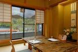 宇治川の絶景を 満喫できる個室