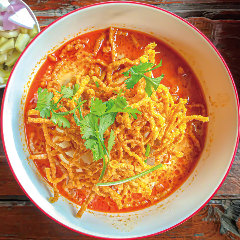 タイ北部の郷土料理♪ チェンマイカレーラーメン