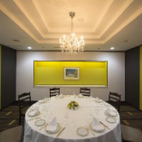 記念日の会食やご接待などに使える、個室「ハマナス」