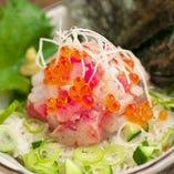 鮮度抜群の魚介類を使った料理をぜひ、ご賞味ください。