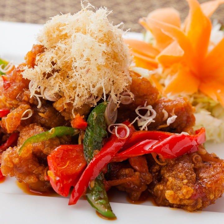 熟練の技で仕上げる本格タイ料理の味