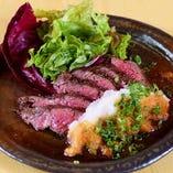 大人気!牛ハラミの特製ステーキ