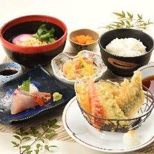 夏野菜の天ぷらとお刺身うどん定食